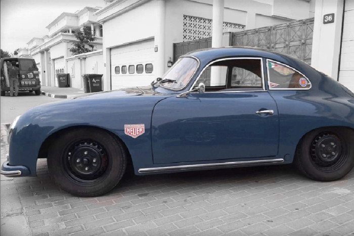 Universal Products 356 Coupe 1