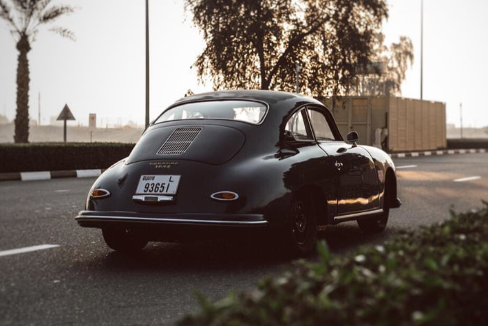 Universal Products 356 Coupe 2