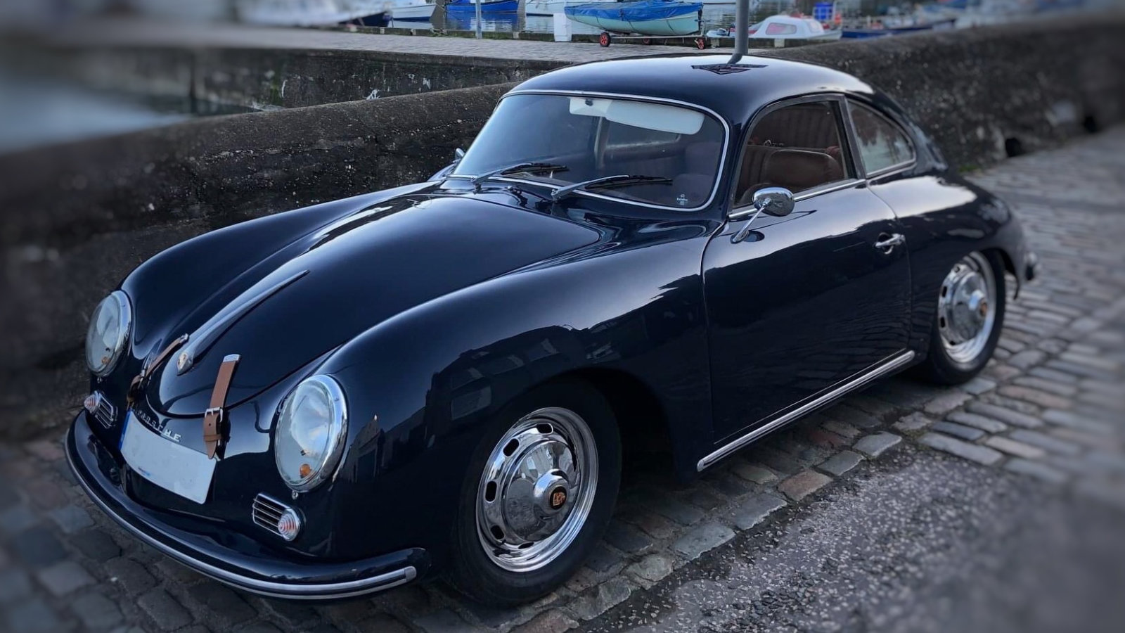 Universal Products 356 Coupe
